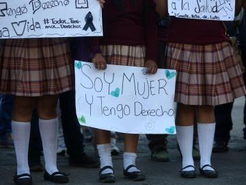Estudiantes de Guatemala claman por Justicia para las 37 niñas muertas