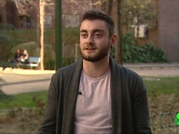 Ethan Alcáraz, hombre transexual