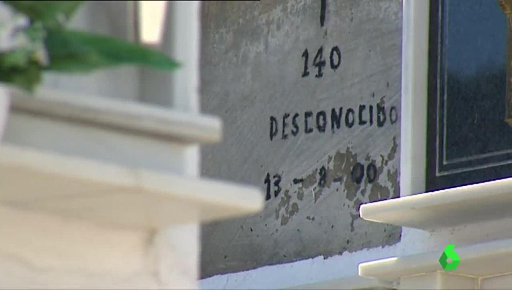 Lápida de un migrante fallecido