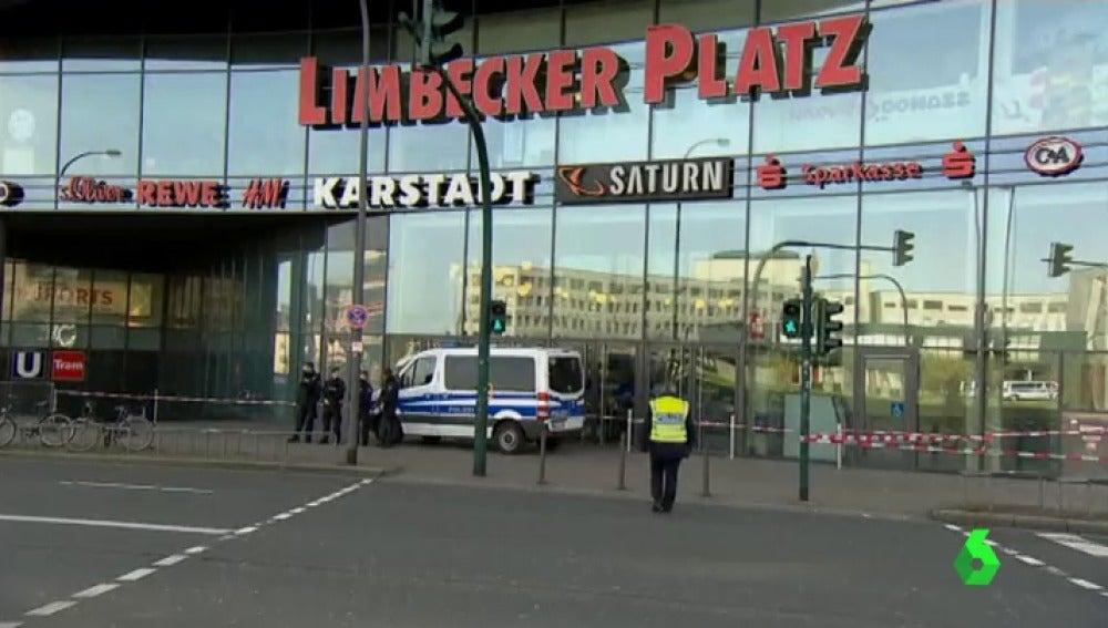 Frame 1.013673 de: Alemania confirma que el intento de atentado en un centro comercial tiene relación con Daesh