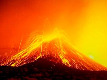 El Etna en erupción en 2001