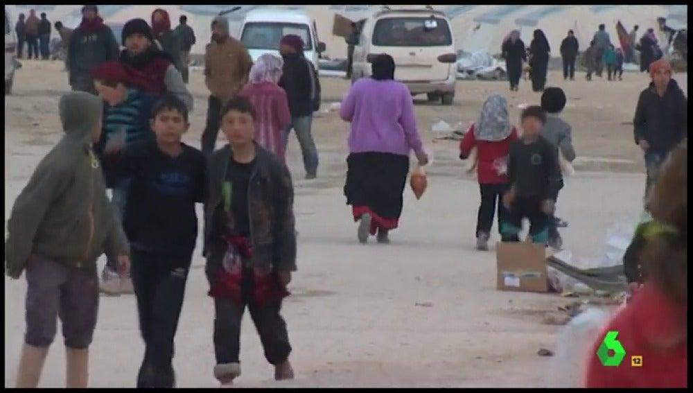 Frame 283.610357 de: refugiados