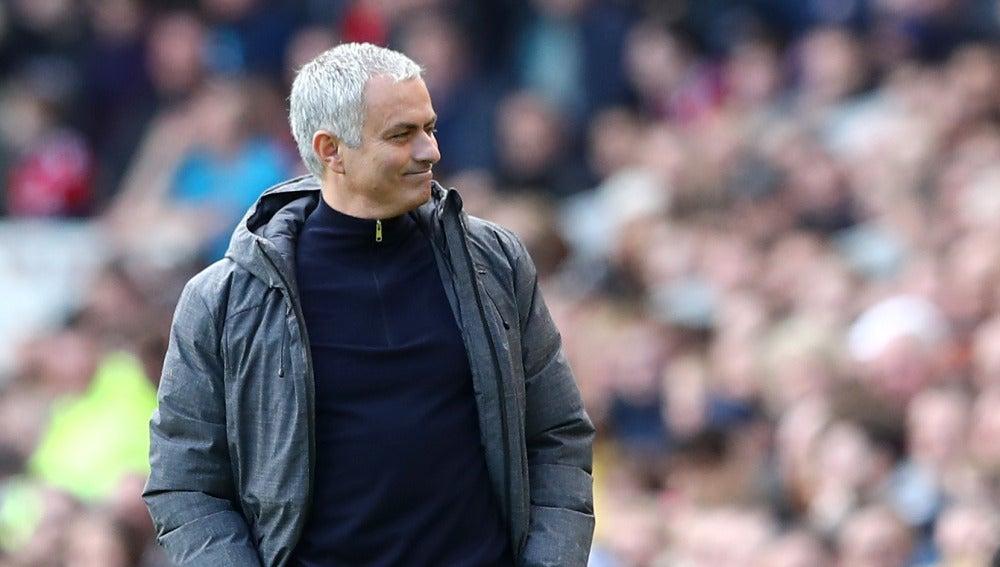 José Mourinho, durante un partido