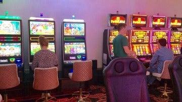 Encontré ludopatía y lujo hortera en el casino