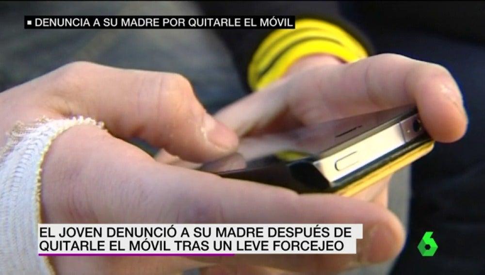"""Frame 5.660009 de: """"La acusada sólo se preocupaba por su educación"""": absuelta una madre denunciada por su hijo tras quitarle el móvil"""