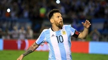 Messi celebrando un gol con Argentina
