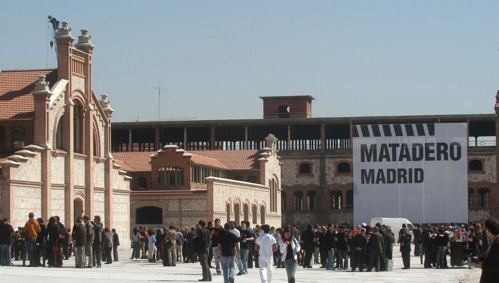Más de 600 artistas defienden el nuevo rumbo de Matadero
