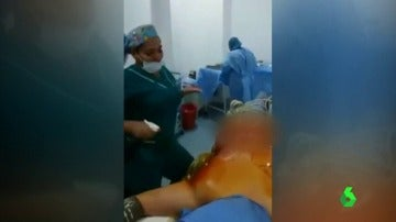 Frame 25.809266 de: enfermeras