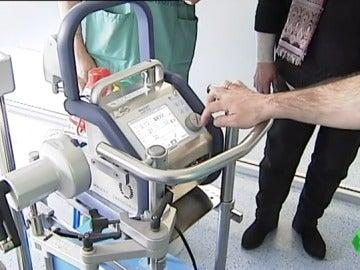 """Frame 62.941464 de: Una máquina salva vidas oxigenando la sangre: """"Es como si tuviéramos un corazón y un pulmón artificial fuera del organismo"""""""