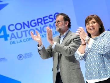 El presidente del Gobierno y del PP, Mariano Rajoy, y la presidenta del PP de la Comunitat Valenciana, Isabel Bonig