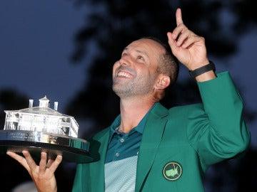 Sergio García celebra su triunfo en el Masters de Augusta