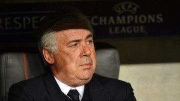 Carlo Ancelotti durante el partido