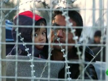 Frame 75.032046 de: refugiados