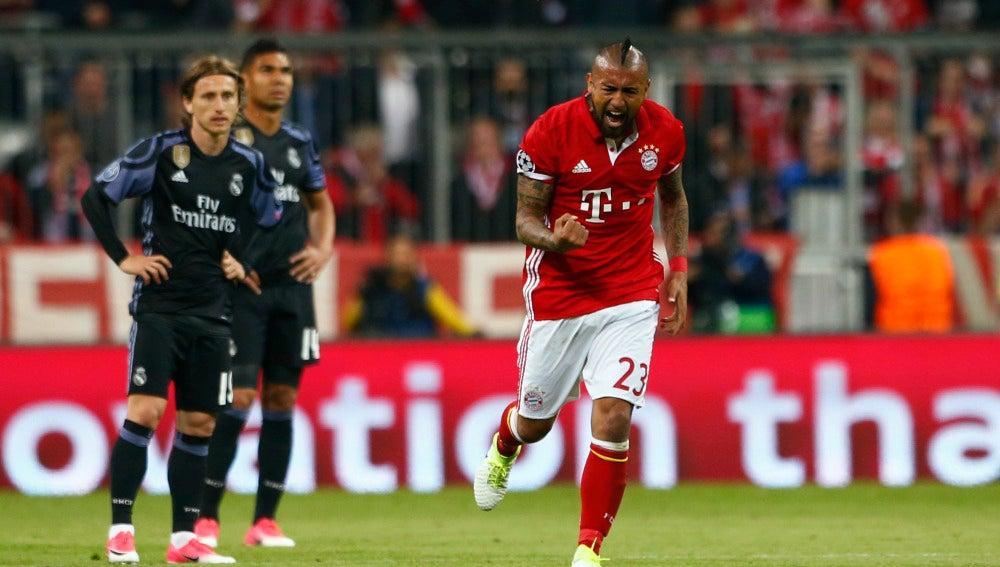 Arturo Vidal celebra su gol contra el Real Madrid