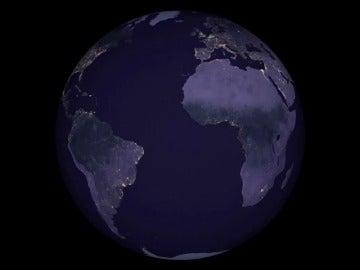 Frame 4.622061 de: La actividad noctura de los humanos, vista desde el espacio: las espectaculares imágenes que deja la NASA en su nuevo mapa