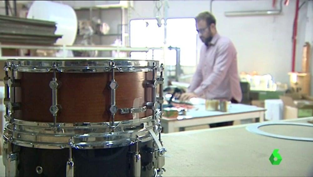 El sonido de muchos de los tambores que resuenan en Semana Santa por las calles