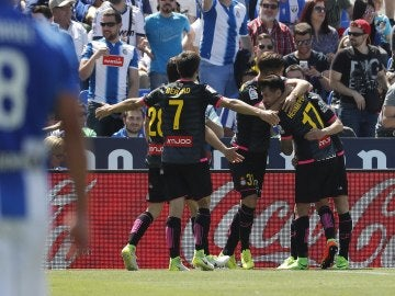 Los jugadores del Espanyol celebran el gol de Baptistao en Butarque