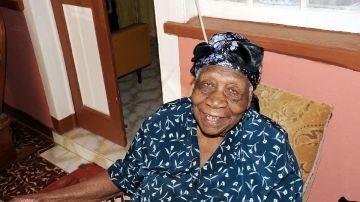 Violet Mosses, la mujer más anciana del mundo
