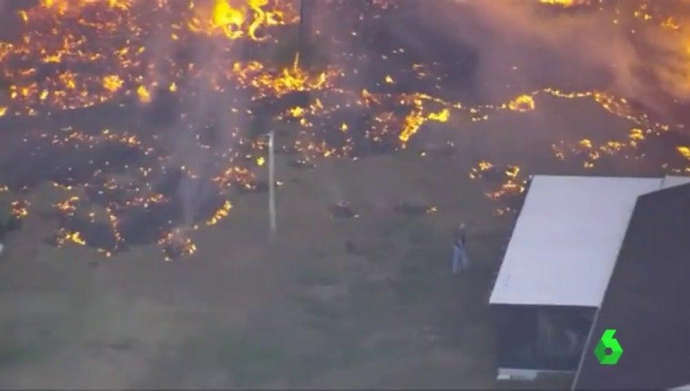 Frame 2.062224 de: Florida enfrenta más de 8.000 hectáreas calcinadas y 110 incendios activos