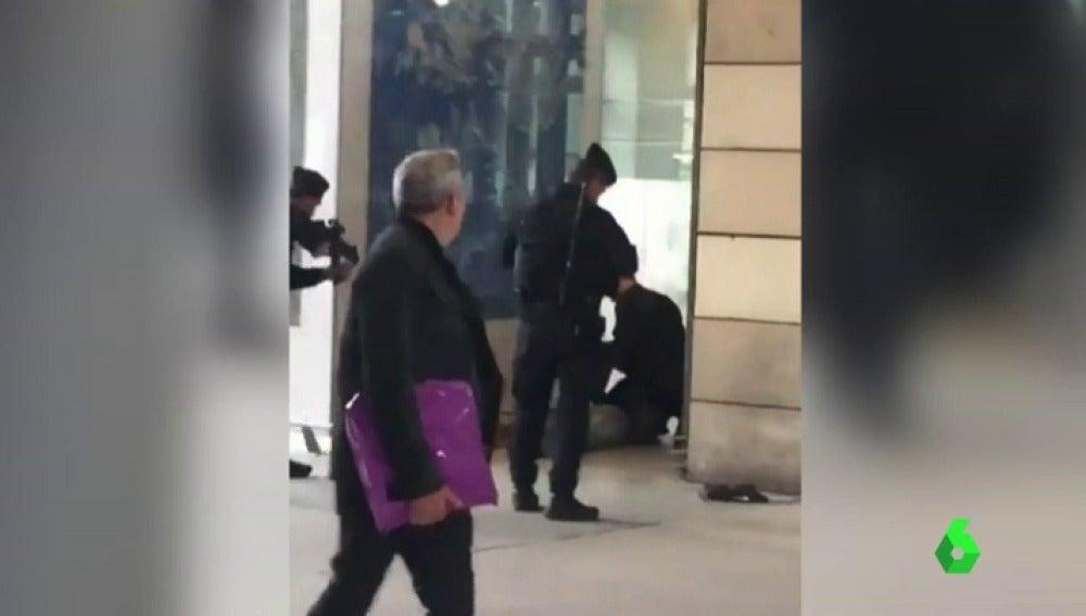 Detenido un hombre en la estación de tren parisina de Gare Du Nord por pasearse con un cuchillo
