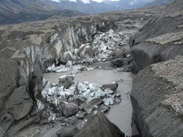 Imagen del río Slims, en Canadá, tras secarse