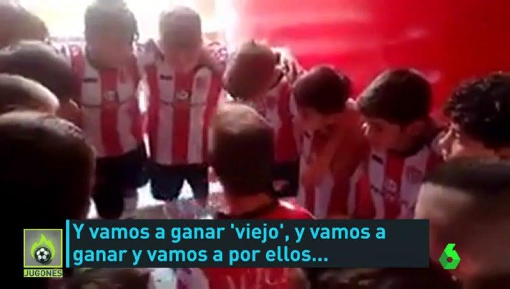 Frame 27.033365 de: La emocionante charla de un niño en Argentina antes de jugar un partido de fútbol