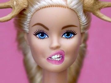 Barbie asqueada