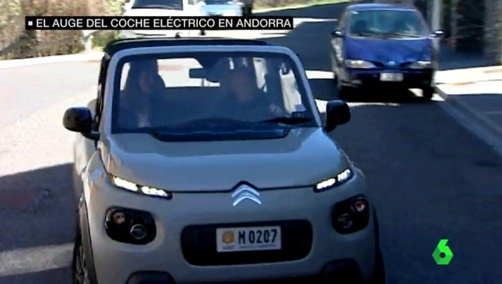 Frame 69.888072 de: coches electricos