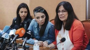 Shaza, Jimena y la madre d eJimena