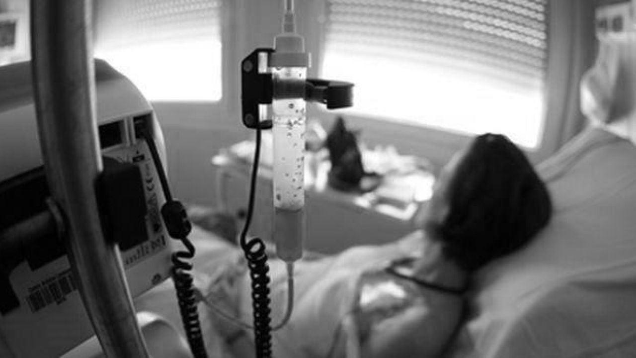 Imagen de archivo de una persona hospitalizada