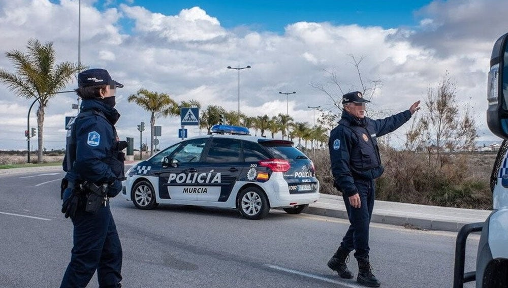 Varios agentes de Policía en Murcia en una imagen de archivo