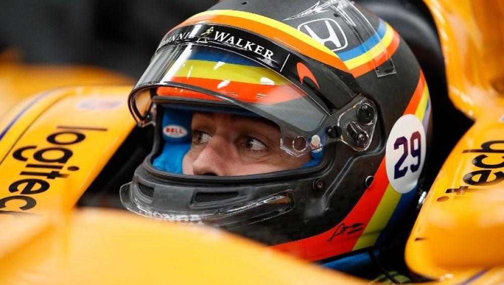 Fernando Alonso, en su monoplaza de la Indy 500