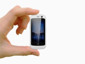 Jelly, el móvil Android más pequeño del mundo