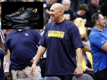 LaVar Ball, con las nuevas zapatillas de su hijo Lonzo