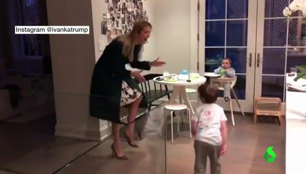 Ivanka Trump baila con su hijo
