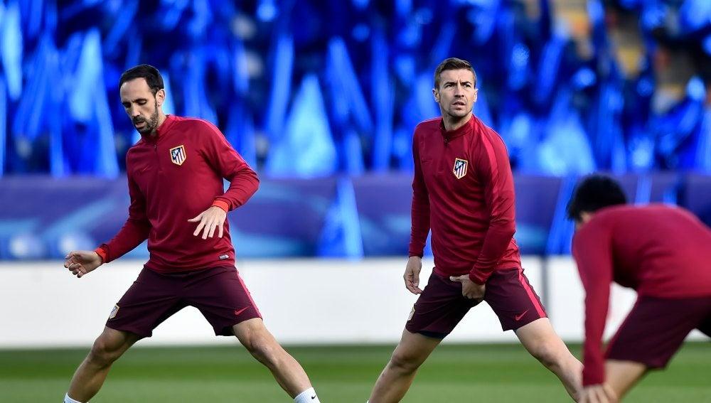 Juanfran y Gabi, durante un entrenamiento con el Atlético de Madrid