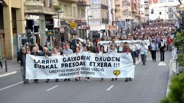 Miles de personas han pedido en Vitoria la liberación de presos de ETA gravemente enfermos