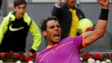 Rafa Nadal celebra su triunfo en el Mutua Madrid Open