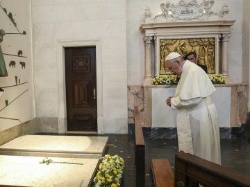 El papa canoniza a los pastorcillos de Fátima Francisco y Jacinta en Portugal