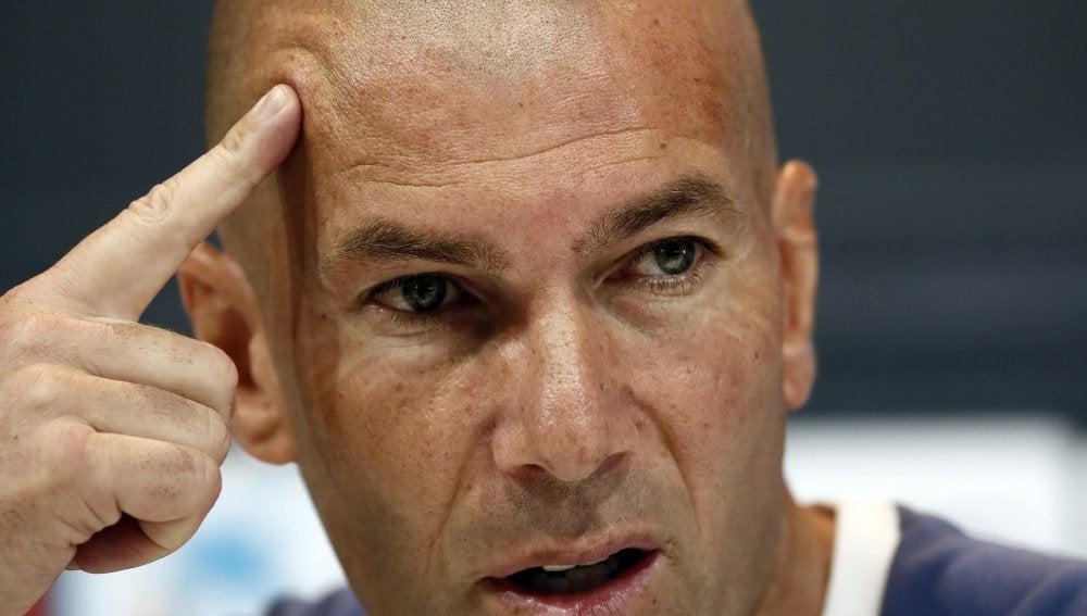 Zidane, durante la rueda de prensa