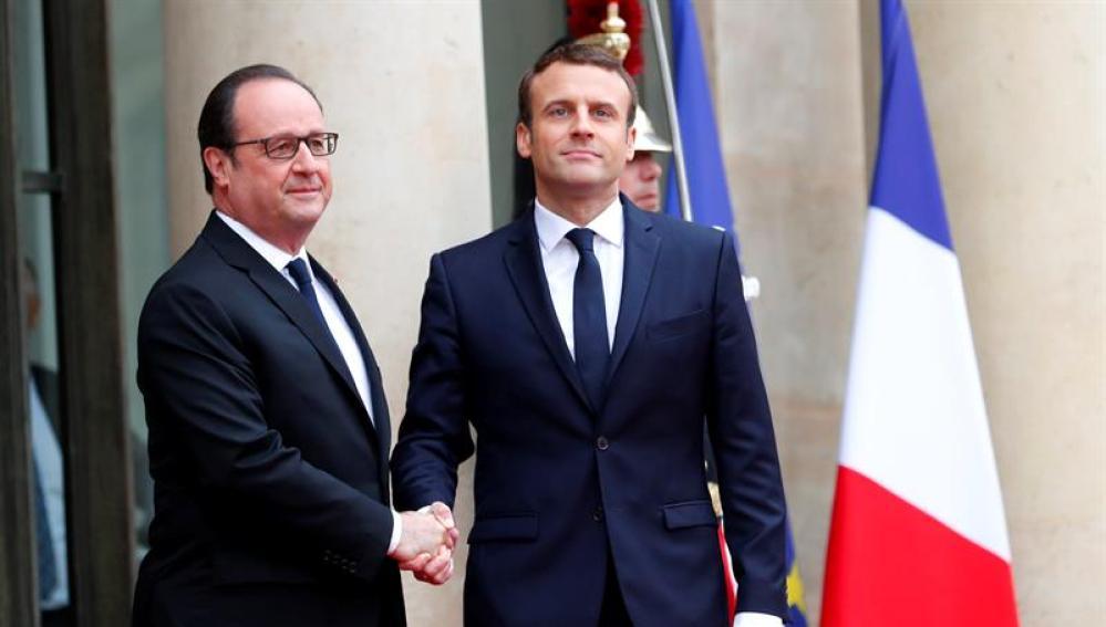 Macron y Hollande en El Elíseo