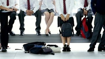 Un colegio británico propone que los niños puedan llevar falda
