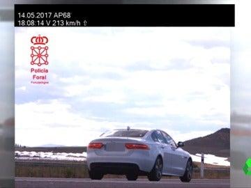 Imagen del vehículo cazado a 213 Km/h en Navarra