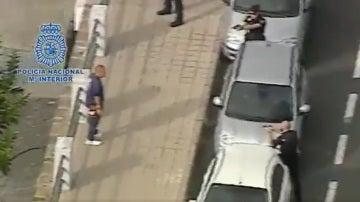 La Policía reduce a un hombre en Las Palmas