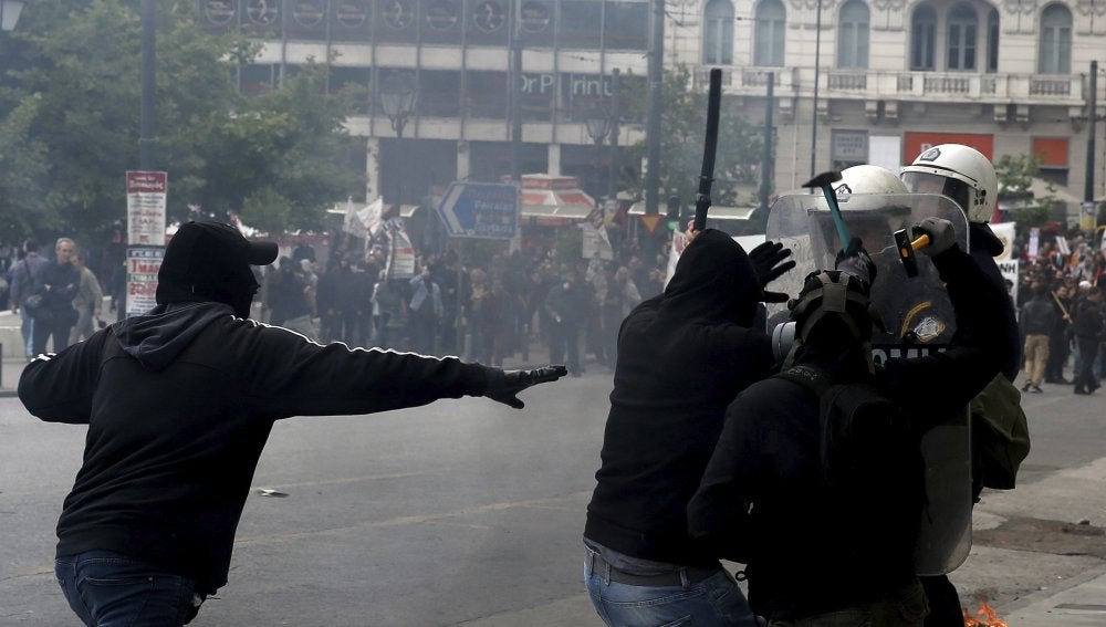 Disturbios en Grecia durante la huelga general