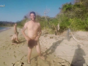 Se desnudan en La Isla