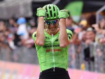 Pierre Rolland celebra su victoria en el Giro de Italia