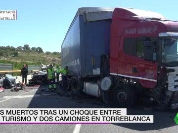 Frame 13.347886 de: Dos personas han muerto tras el choque de un turismo y dos camiones en Torreblanca