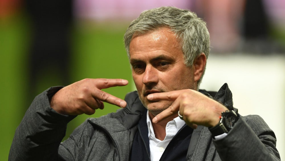 Mourinho celebrando su cuarto título continental