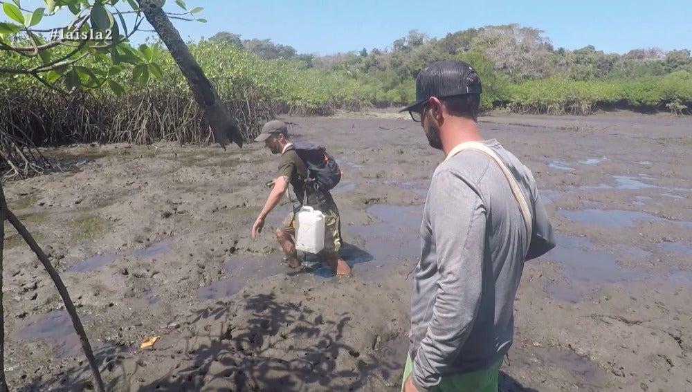 Perdidos en los manglares